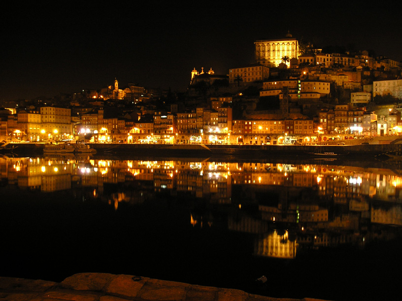 porto-by-nigth-l.jpg
